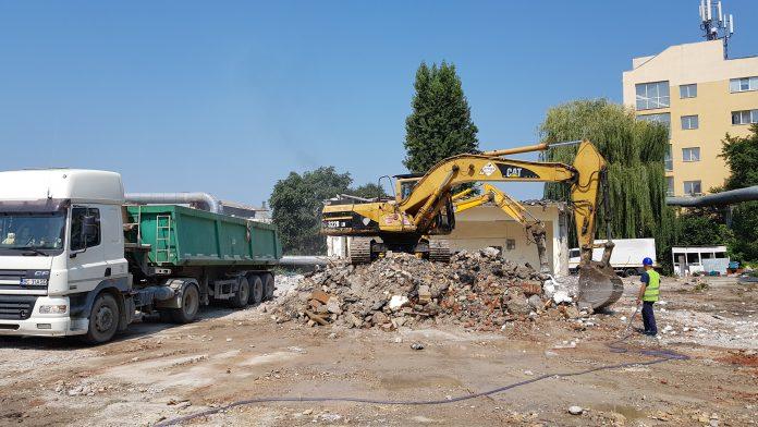 inchirieri excavatoare Piatra Neamt, Bacau