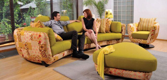 Cauți un colțar extensibil deosebit pentru living?