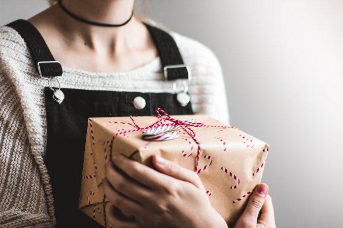 6 idei de cadouri pentru femei care vor fi mereu utile